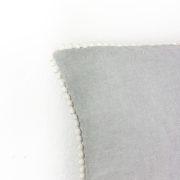 Kissen Ellie Leinen grau Detail