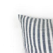 Kissen Ida Leinen blau gestreift Detail