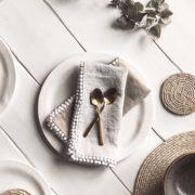 leinen-servietten-lova-beige-hellgrau