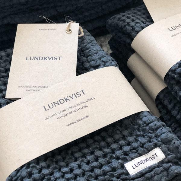handtuch-badetuch-geastetuch-freda-waffelstoff-leinen-anthrazit-blau